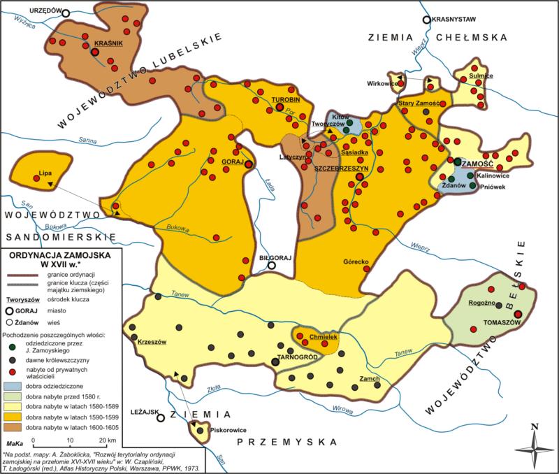 Mapa konturowa z zaznaczonymi granicami ordynacji zamoyskiej. Poszczególnymi kolorami zaznaczone są dobra nabyte w różnych przedziałach czasu.